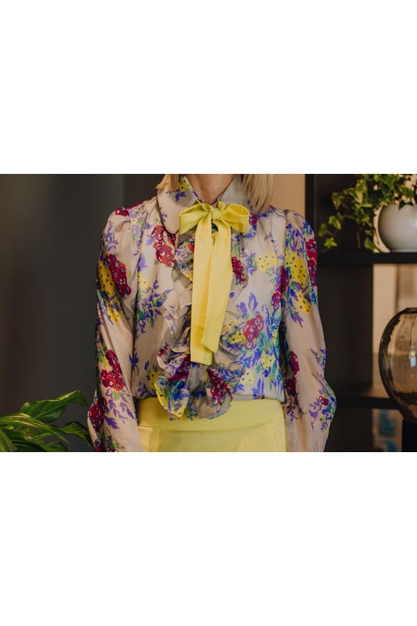 FLORAL SILK BLOUSE WITH BOW TIE