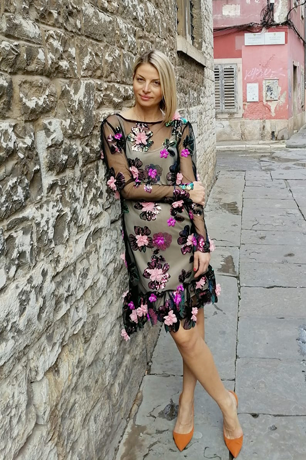 THE MANY FACES OF FLORAL COCKTAIL DRESSES