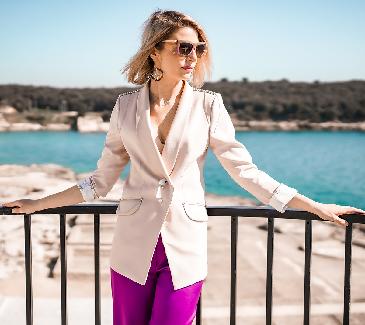 SPRING BUSINESS LOOK IN COLORS